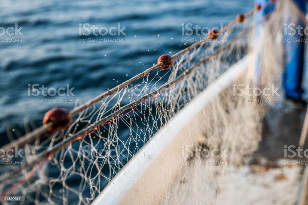 Rede no barco de pesca - foto de acervo