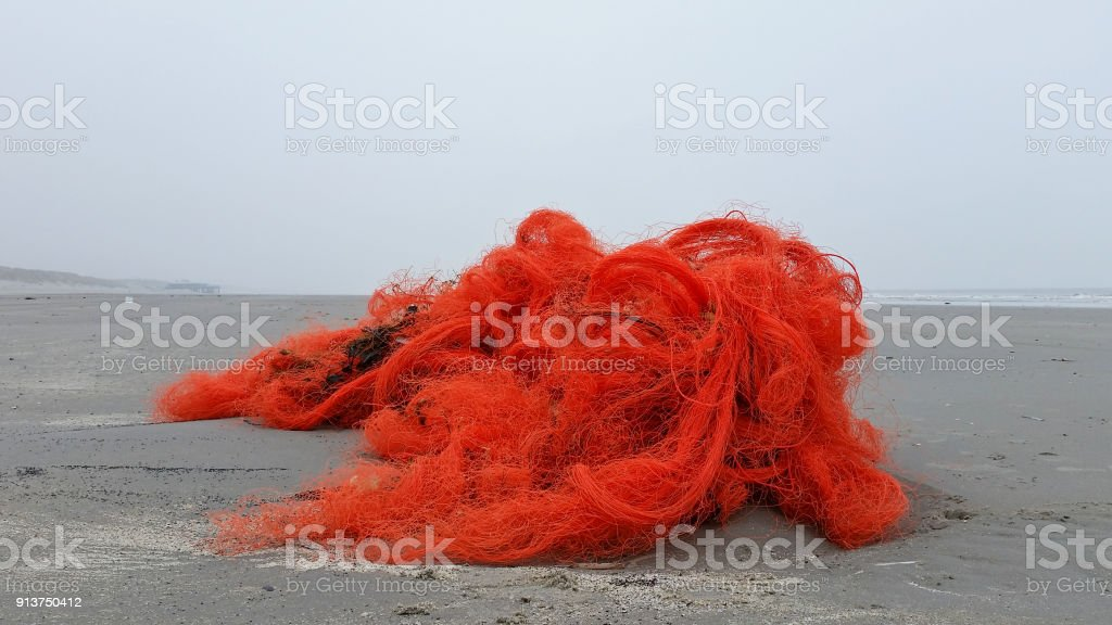 Fischernetz an Land gespült – Foto