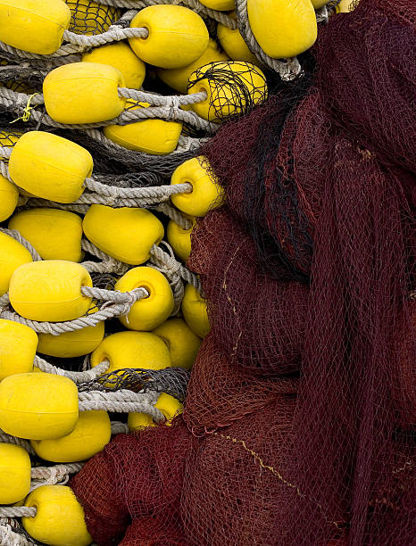 Fischernetze und Schwimmkörper – Foto