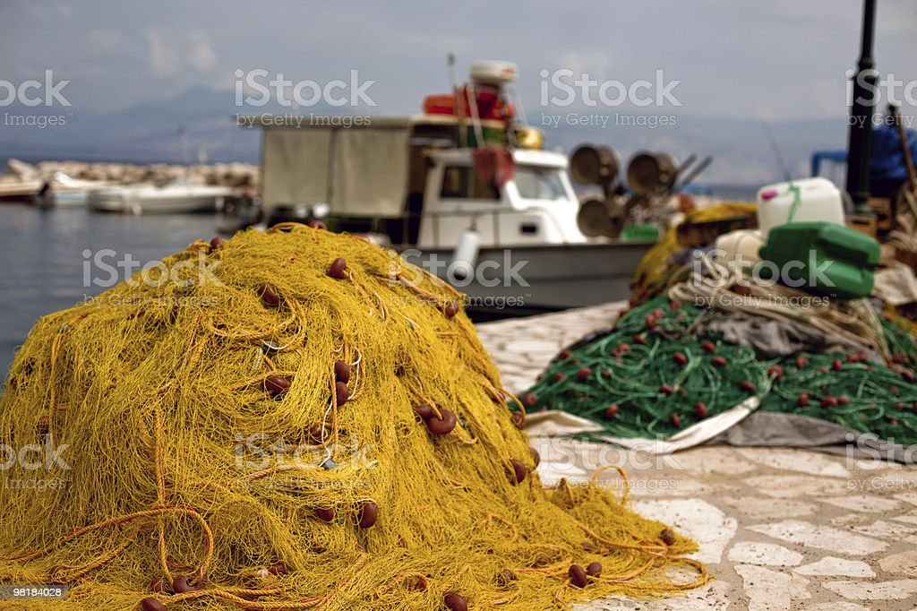Reti da pesca in porto foto stock royalty-free