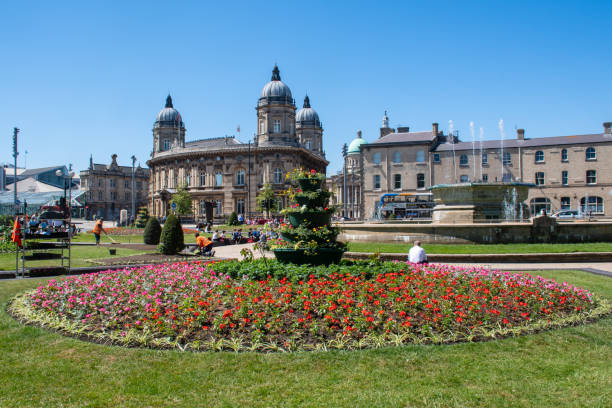 fishing offices with town park in foreground - hull stock pictures, royalty-free photos & images