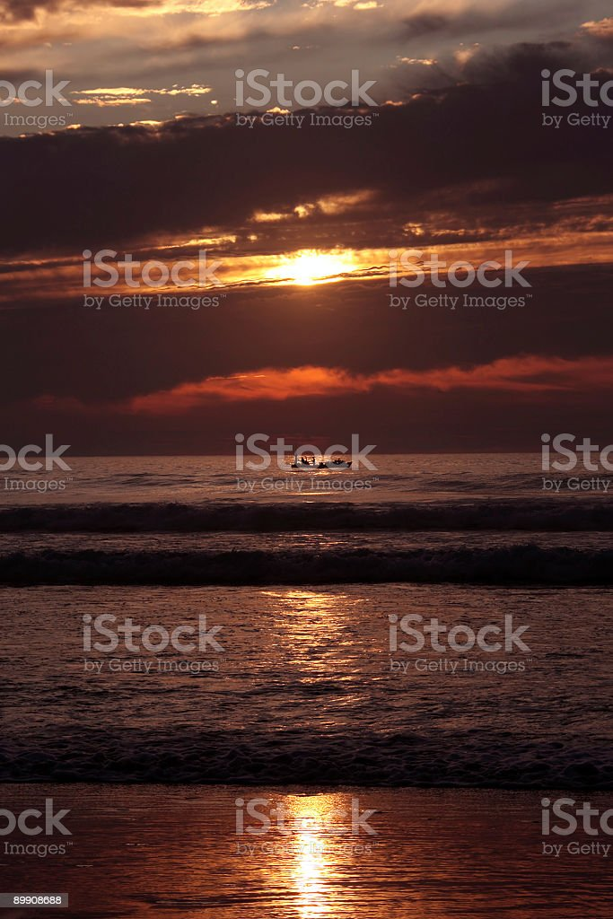 Fishing on the atlantic ocean in Portugal royalty free stockfoto