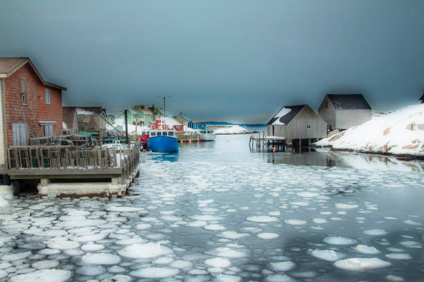 fischerdorf im winter - nova scotia halifax stock-fotos und bilder