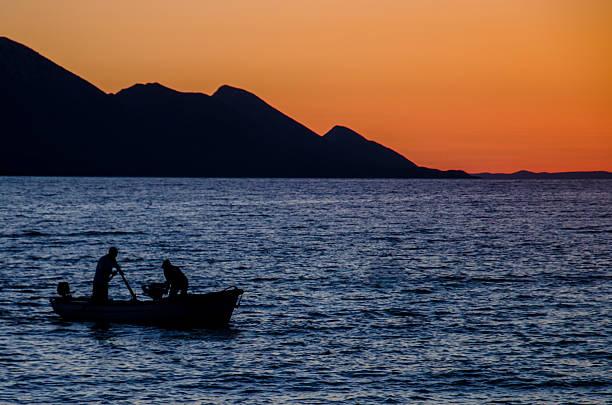 fishmen no mar - fishman imagens e fotografias de stock