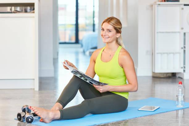 Yoga Zeitschrift Bilder Und Stockfotos Istock