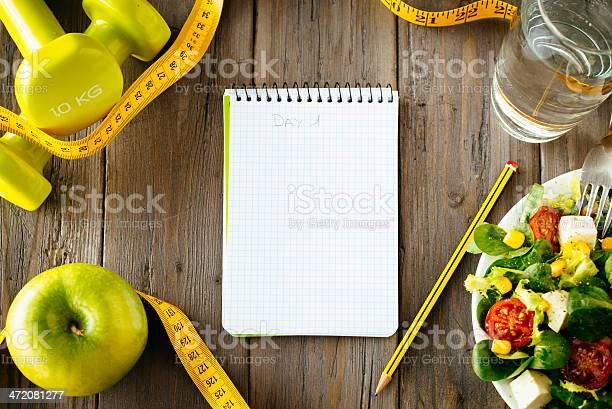 Fitness Y Comida Saludable Concepto De Estilo De Vida Foto de stock y más banco de imágenes de Alimento