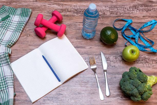 fitness-tagebuch - trainingstagebuch stock-fotos und bilder