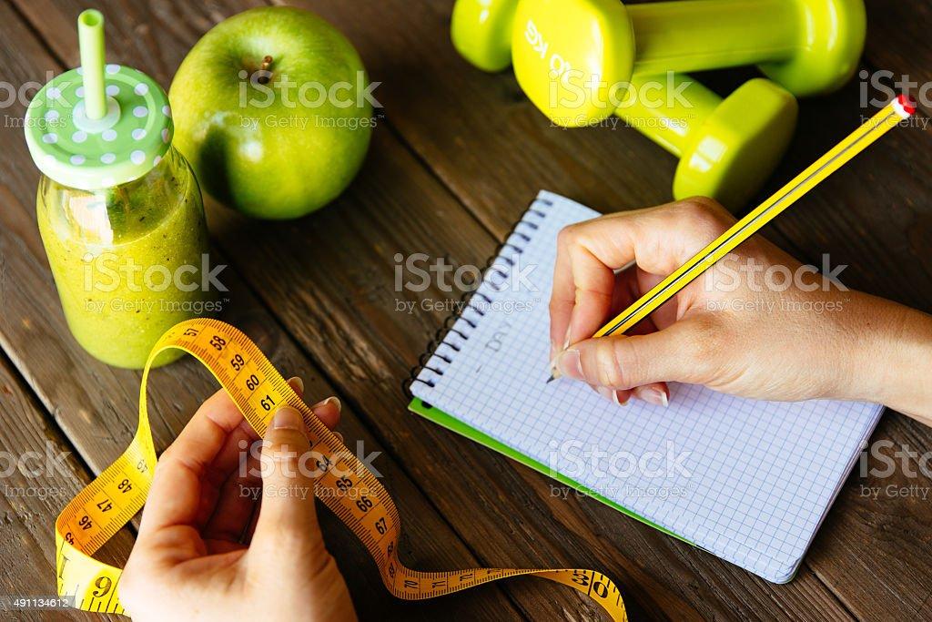 Fitness-Diät und Ernährung Übung-Konzept mit grünen detox smoo – Foto