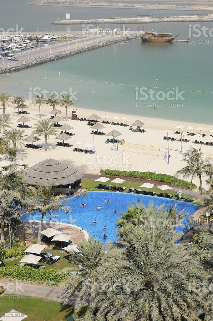 Esercizi di Fitness con piscina, Dubai, Emirati Arabi Uniti foto stock royalty-free