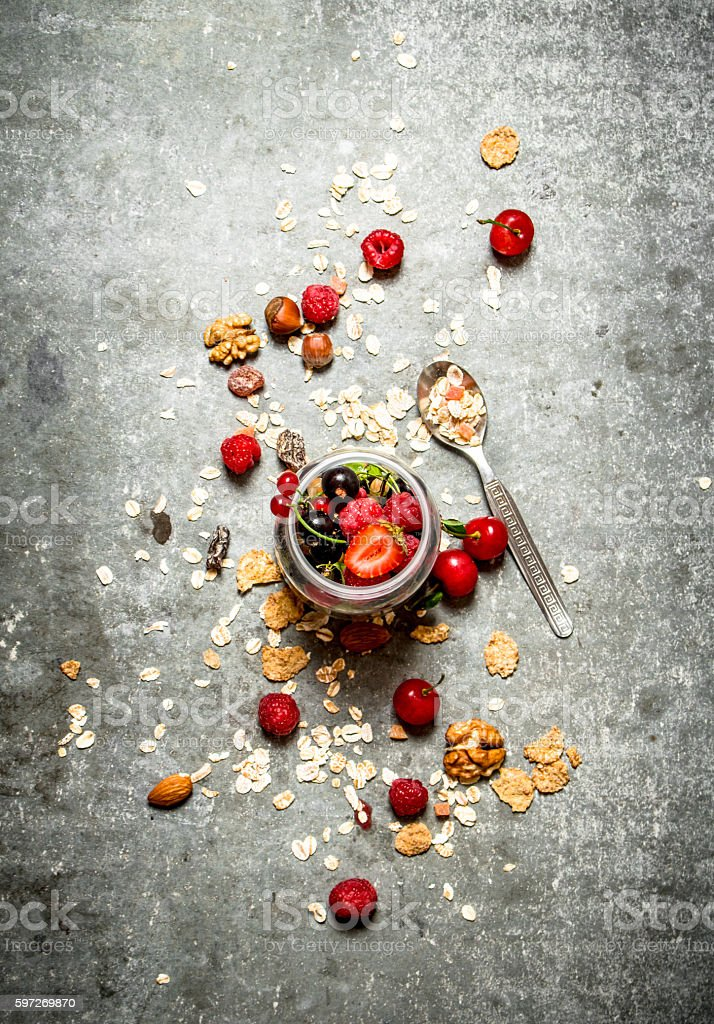 Fitness food. Berries with muesli and nuts. Lizenzfreies stock-foto