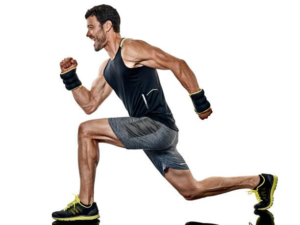 mann cardio boxen fitnessübungen isoliert - boxen live stock-fotos und bilder