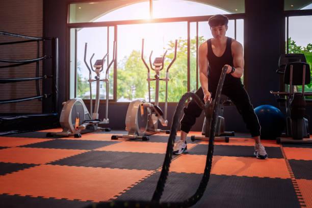 Fitness Mann Übung. – Foto