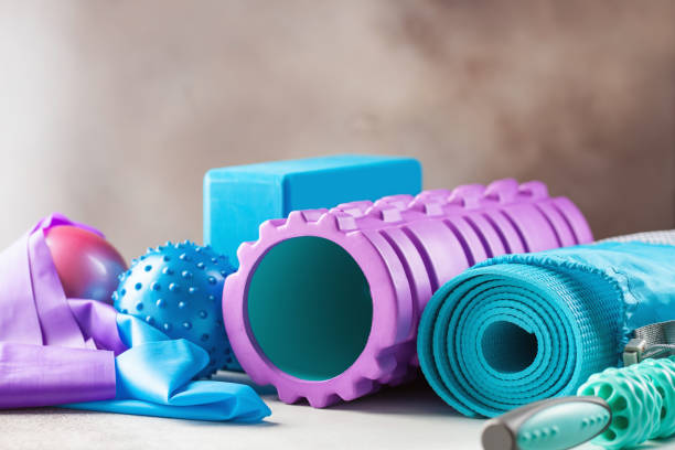 Fitness- oder Yogaartikel - Schaumstoffwalze, Block, Matte, Bälle und Walzenmassager – Foto