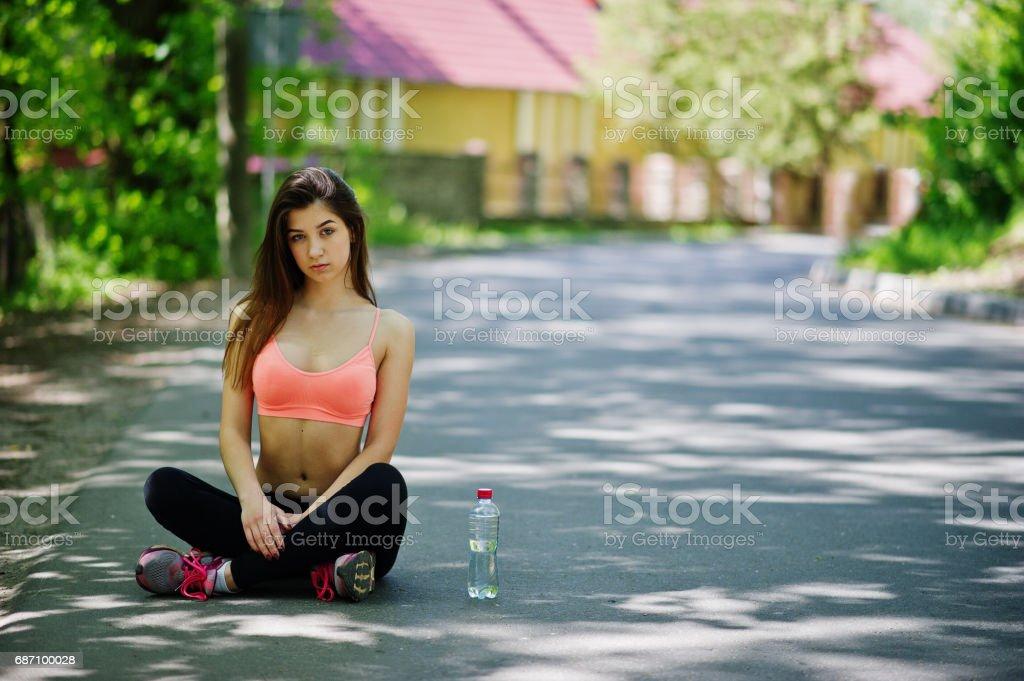 Fitness-Sport-Mädchen in Sportswear, outdoor-Sport, urbanen Stil. Lizenzfreies stock-foto