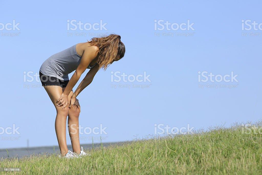 Fitness mujer cansada descansando - Foto de stock de Adolescente libre de derechos