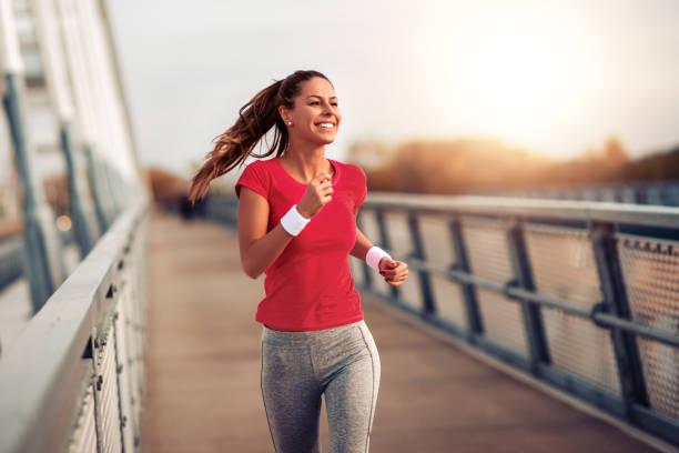 健身女性戶外運動 - 健康的生活方式 個照片及圖片檔