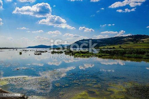 Rucar, Transilvania, Romania: Lago del fiume Olt nei pressi di Rucar.. Fagaras