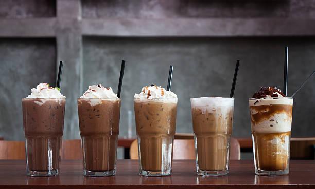 fünf verschiedene arten von eiskaffee - mocca stock-fotos und bilder
