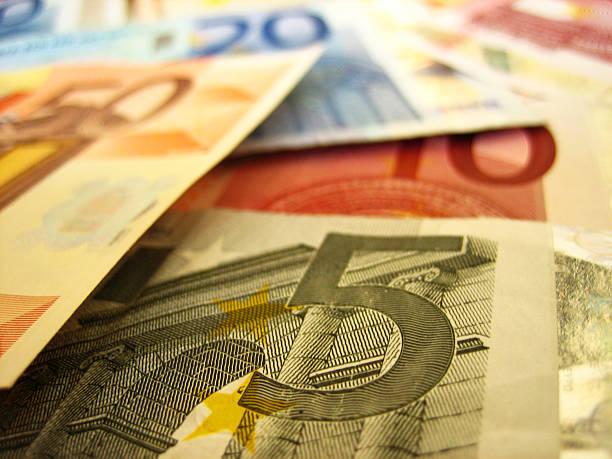 5 fifty zwanzig und zehn euro verschwommene. – Foto