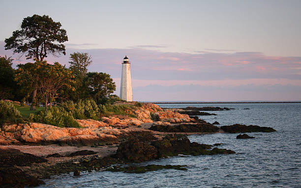 five mile lighthouse, new haven, connecticut - vattenbryn bildbanksfoton och bilder