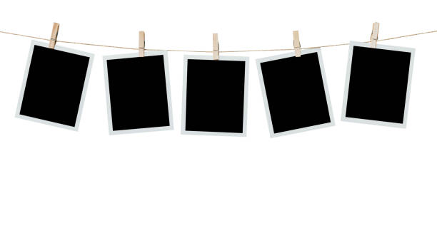 fem foto ram tom hängande på isolerade vit med urklippsbana. - fotoram bildbanksfoton och bilder