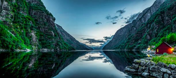 fjord in norway - fiordi foto e immagini stock