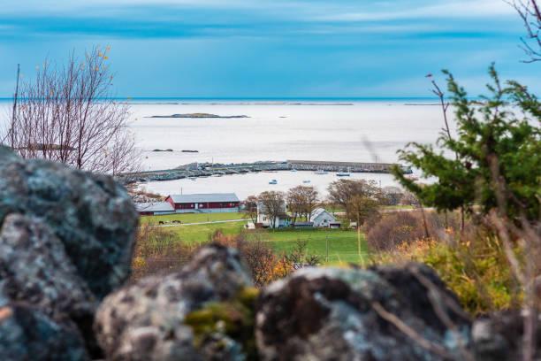 Praia de Flø em Ulsteinvik (Noruega) - foto de acervo