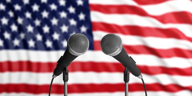 それの前に 2 つのマイク米国旗の背景。ビューを閉じます。3 d イラストレーション - 各国の観光地 ストックフォトと画像