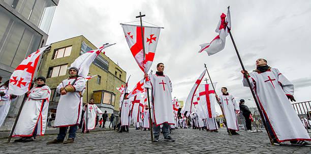 Flagge Beares sich für die Alilo-Prozession – Foto