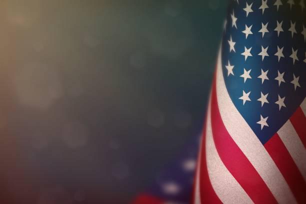 美國國旗紀念退伍軍人日或陣亡將士紀念日。光榮的美國英雄戰爭概念在淺藍色暗天鵝絨背景。 - thank you background 個照片及圖片檔