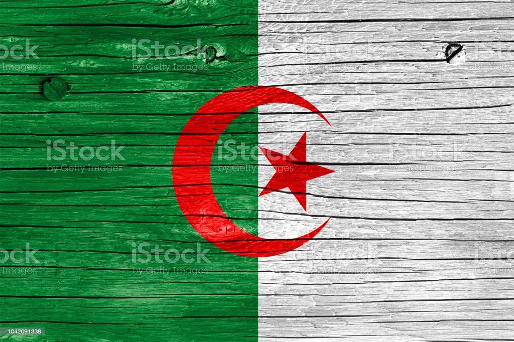 Bandera de Argelia en la madera - foto de stock