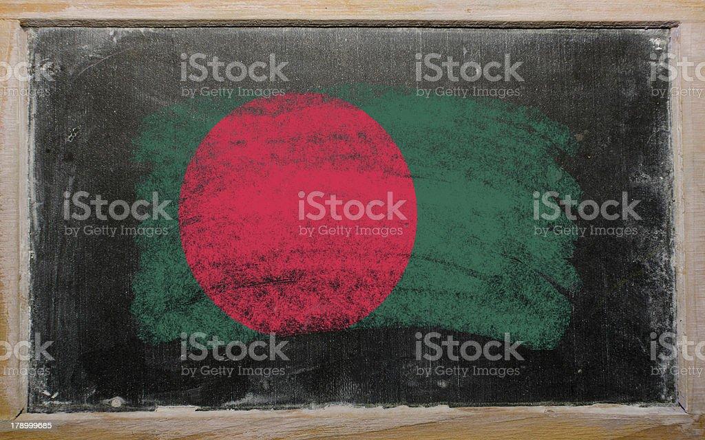 Bandera de Bangladesh en pizarra pintados con tiza - foto de stock