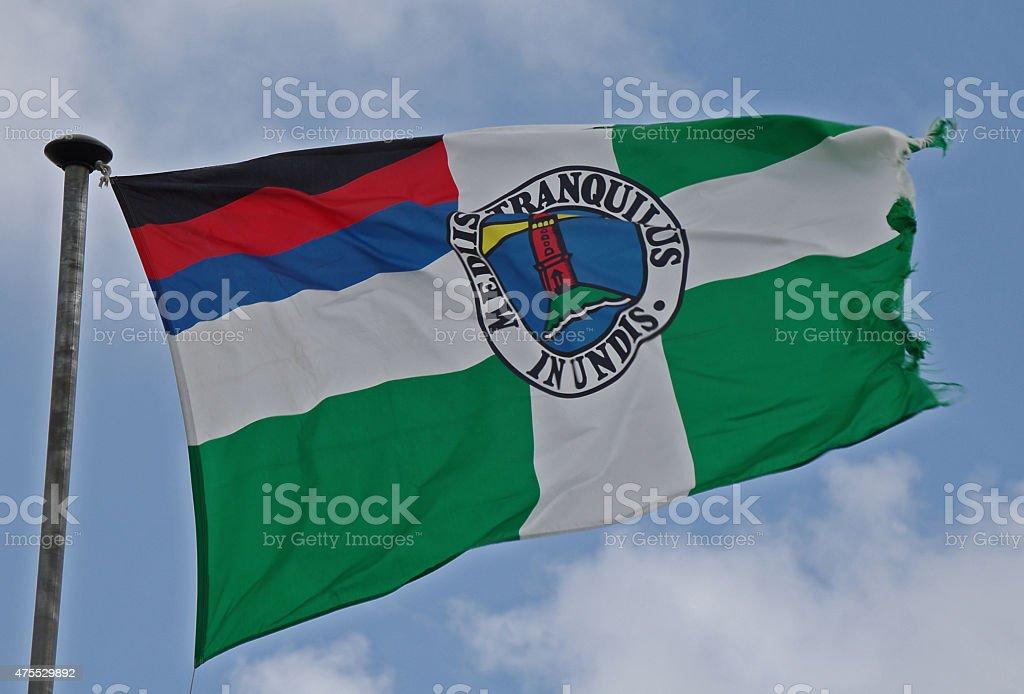 Flagge von Borkum in stürmischen Wetterbedingungen – Foto