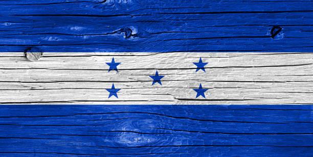 bandera de honduras en la madera - bandera de honduras fotografías e imágenes de stock