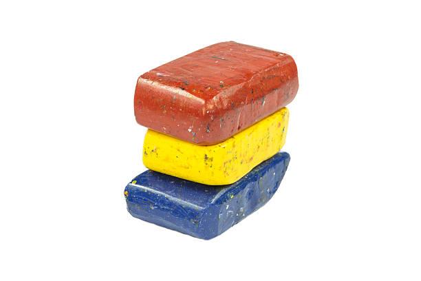 flag of romania with wax crayon upside down - wachsmalblöcke stock-fotos und bilder