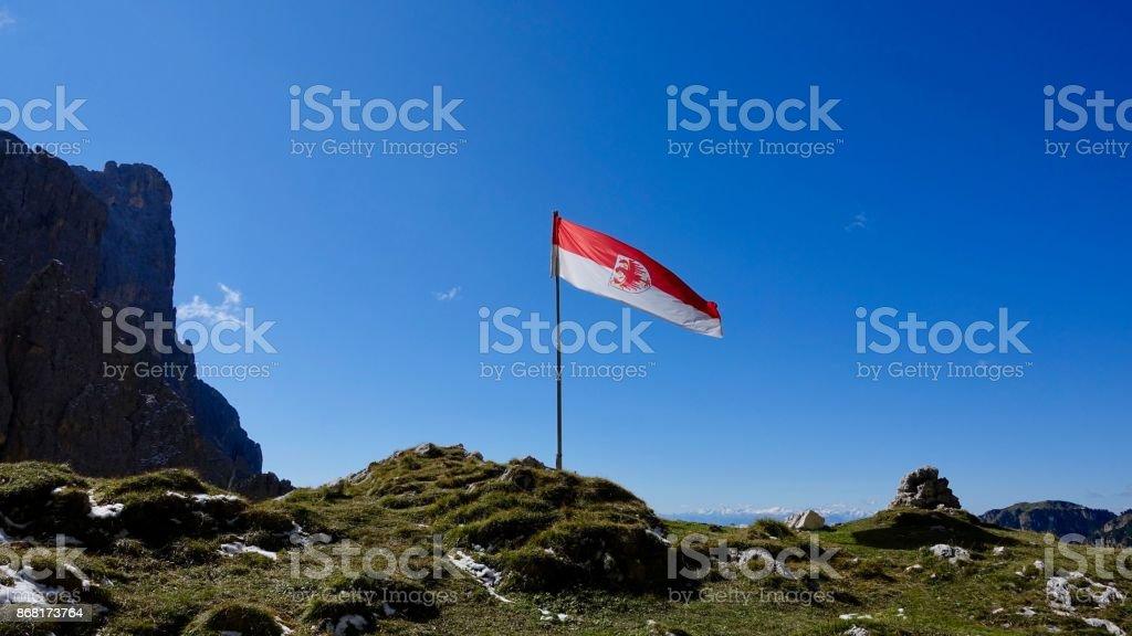 Flagge von Süd-Tirol, Italien Dolomiten – Foto