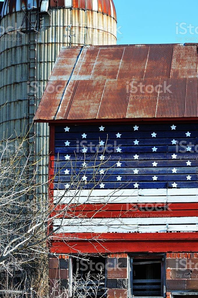 Flagge auf Scheune – Foto