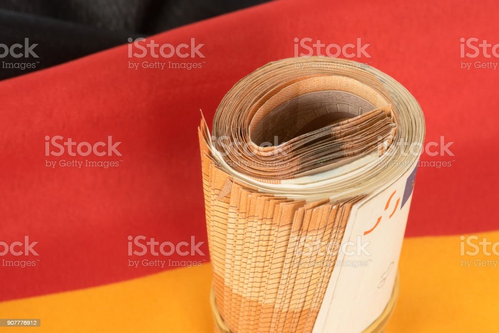 Flagge von Deutschland und Euro Geldscheine stock photo