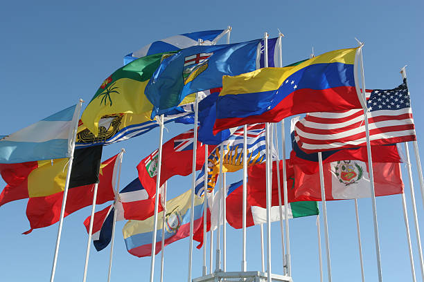 Flaggen von kanadischen Provinzen, USA, und einige internationale – Foto