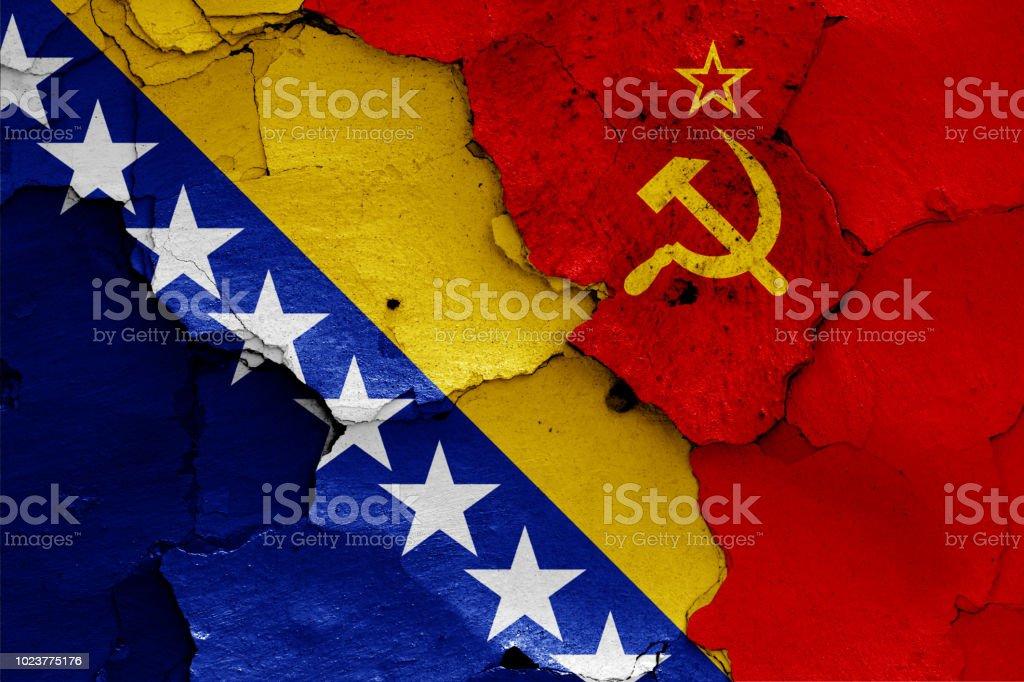 banderas de Bosnia y Herzegovina y la Unión Soviética - foto de stock
