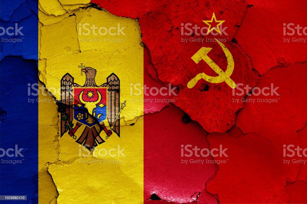 banderas de Moldavia y la Unión Soviética - foto de stock