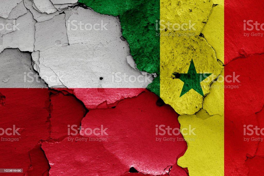 bandeiras da Polônia e Senegal - foto de acervo