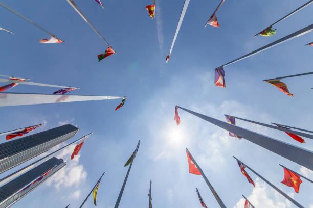 flaggen der welt - deutschland usa stock-fotos und bilder