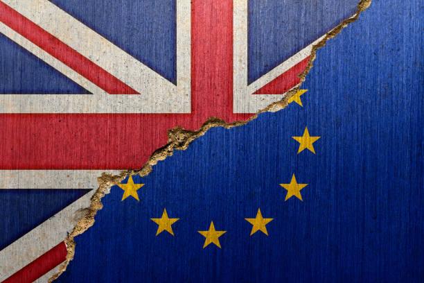 Flaggen von Großbritannien und der EU auf eine Creacked-Beton – Foto