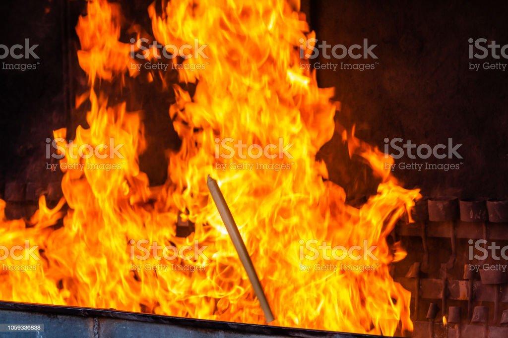 Chamas da queima de velas para o santuário de nossa senhora de Fátima, Portugal - foto de acervo