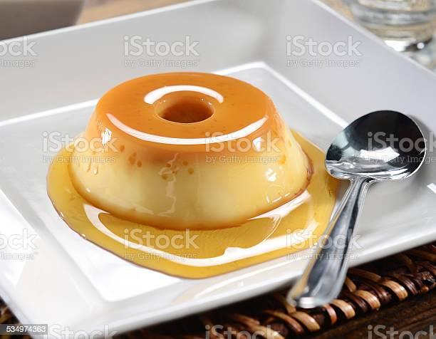Flan - Fotografias de stock e mais imagens de Amarelo