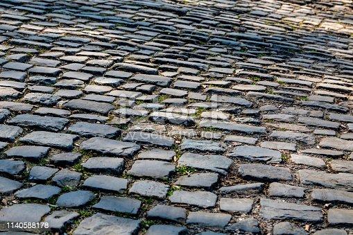 istock Flandres Cobblestone Road - Detail 1140588178