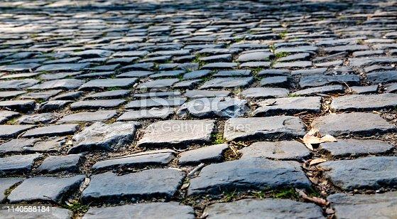 istock Flandres Cobblestone Road - Detail 1140588184