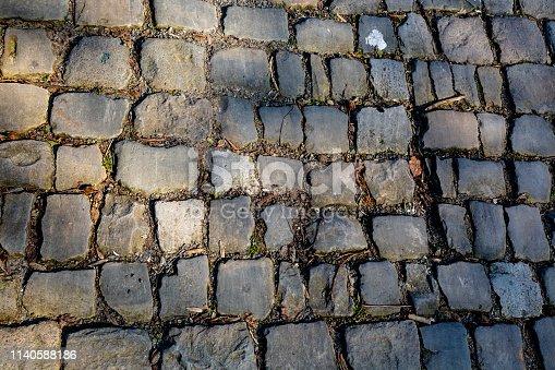 istock Flandres Cobblestone Road - Detail 1140588186