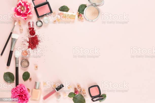 Flat lay and top view of make up products on white pink background picture id1084088484?b=1&k=6&m=1084088484&s=612x612&h= psu1wkso2yxvrdhh4jfkwsn6nopfysuwj4gv8kcwlk=